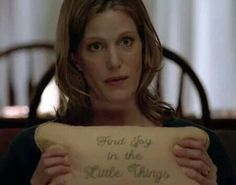 Skylar White holds the talking pillow in a scene from Breaking Bad